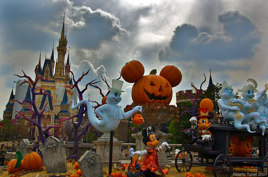 Free HD Wallpapers: Disney Halloween Wallpaper