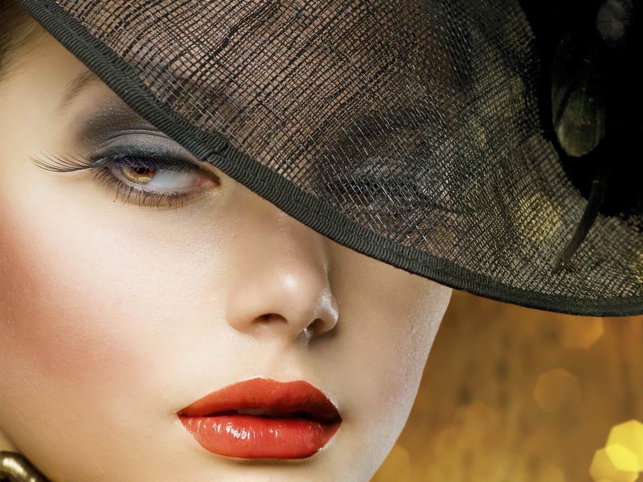 Girl Wallpaper: Download HD Hot Girls Wallpaper for ...