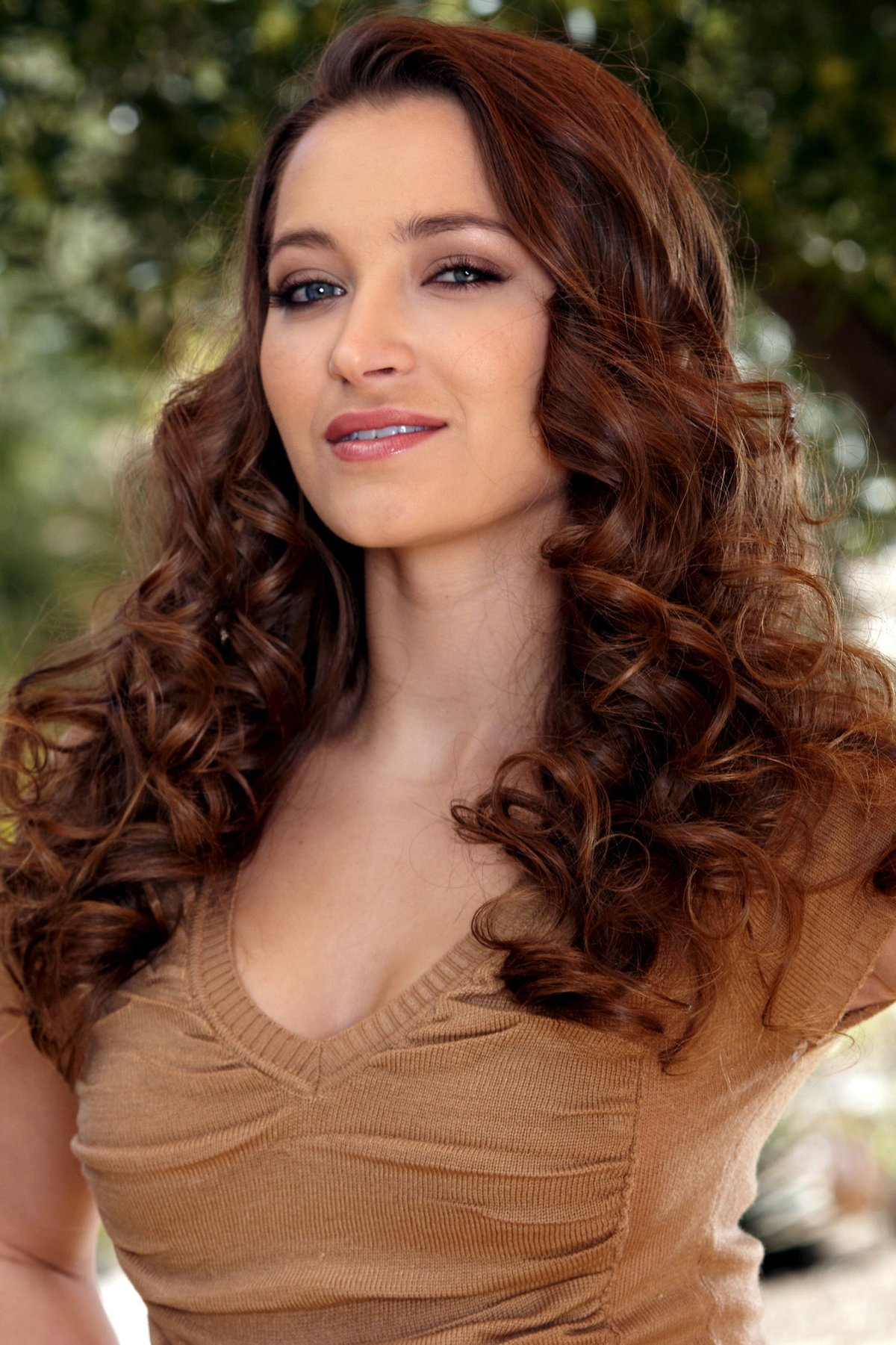 Dani Daniels HD Wallpapers card from user Serj Y in Yandex 1200x1801