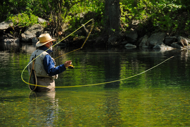 Fly Fishing River Wallpaper Images Pictures   Becuo 640x428