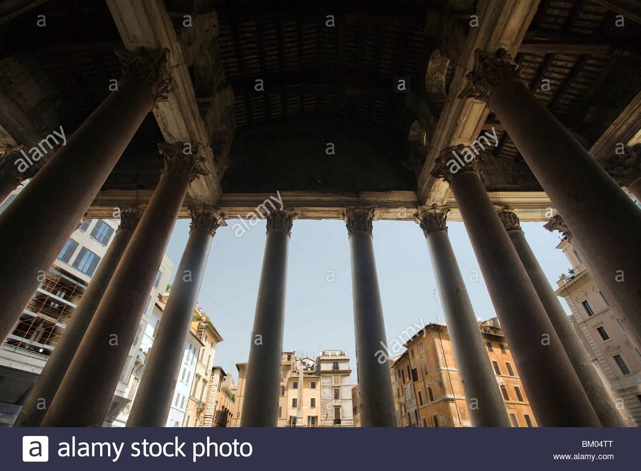 The Pantheon pronaos columns and the Rotonda square on the Stock 1300x956