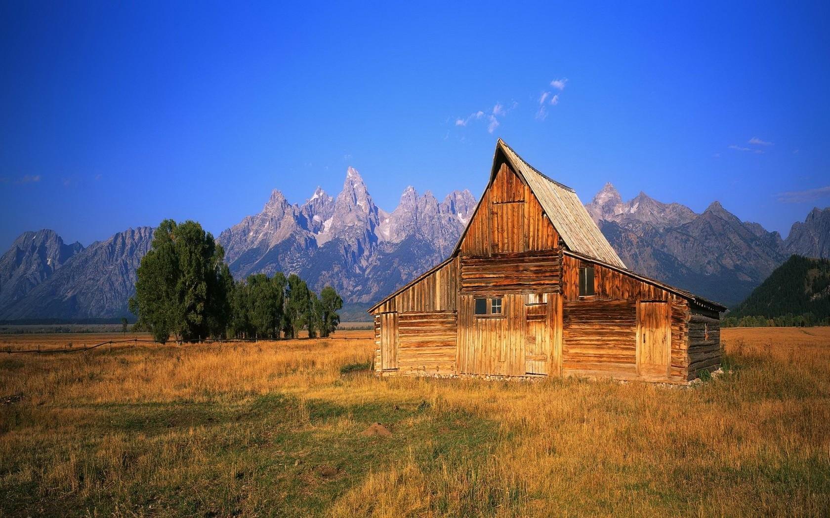Wooden mountain cabin wallpaper 9535 1680x1050