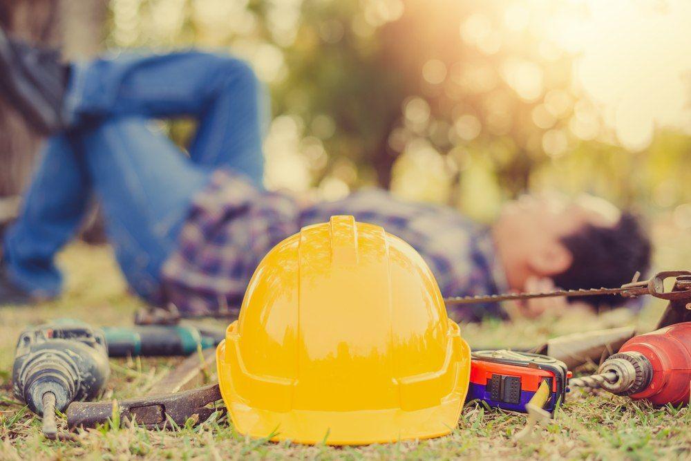 safety helmet equipment technician craftsman background   HomeSelfe 1000x667