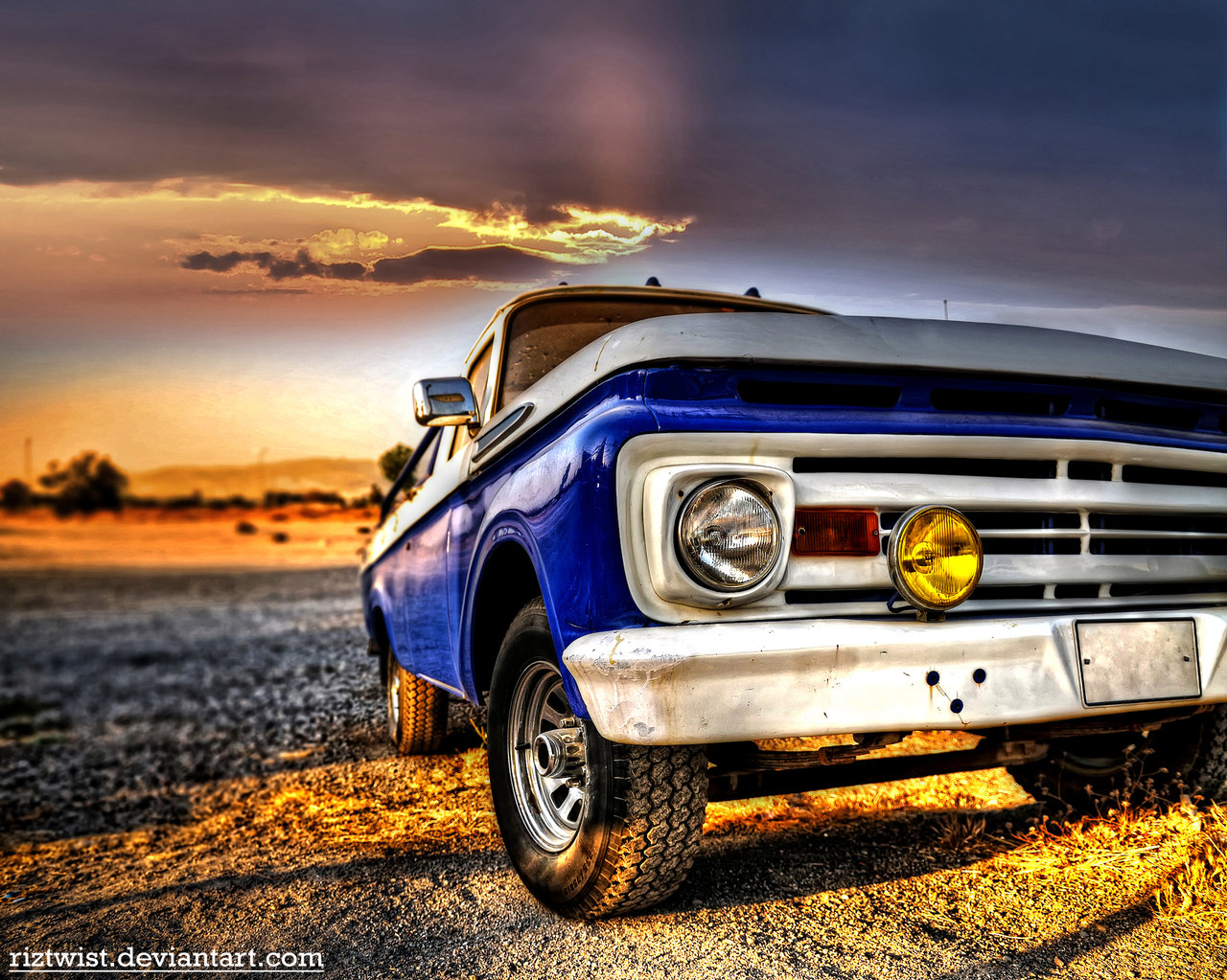 Old Truck   HDR by riztwist 1280x1023