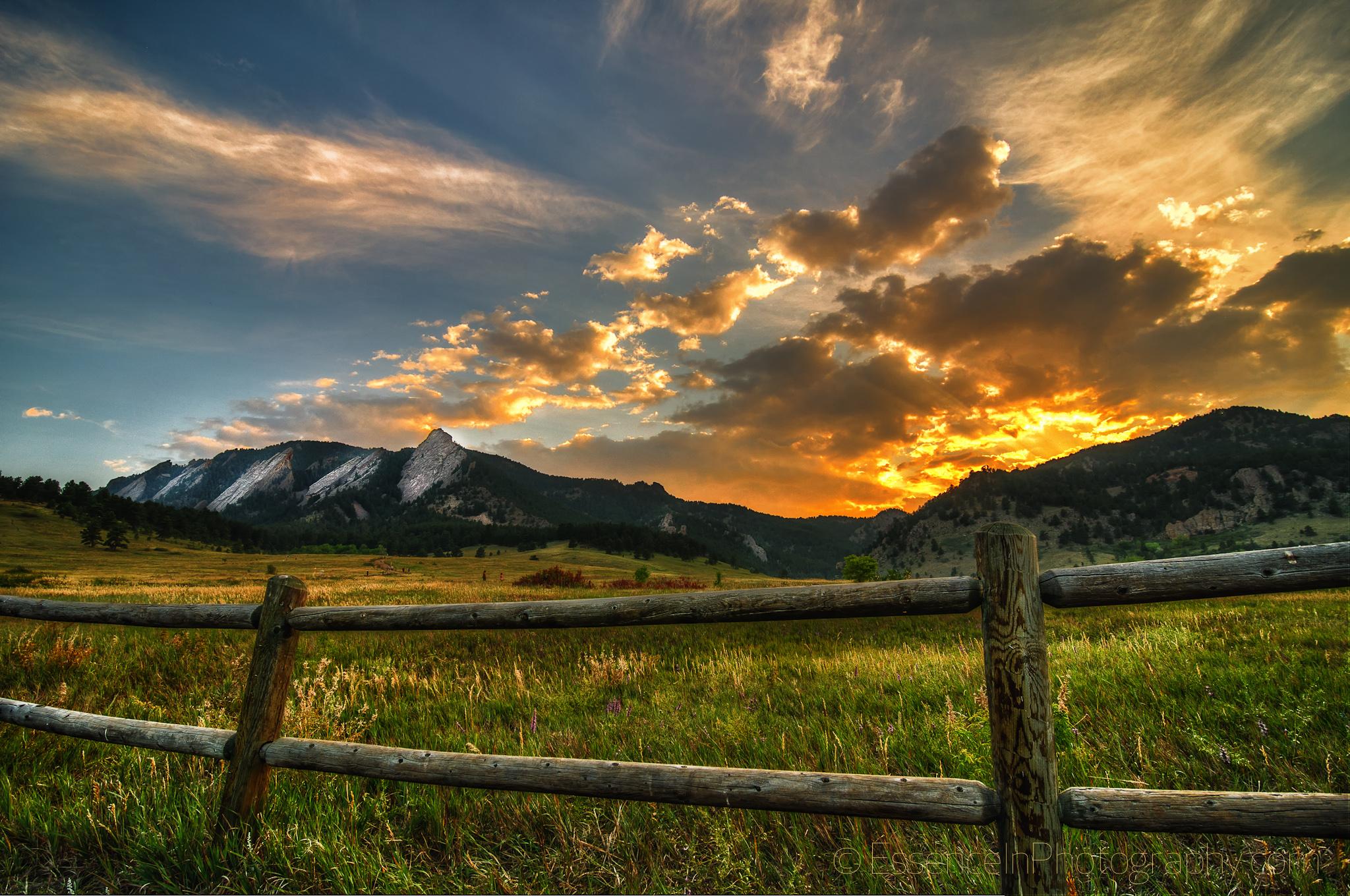 Flatirons at Sunset   Boulder Colorado iPad 3 Wallpapertif 2048x1360