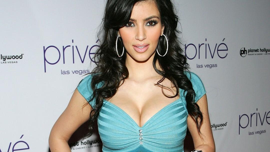 Kim Kardashian Hot Girl HD Wallpaper of Celebrities   hdwallpaper2013 1080x607