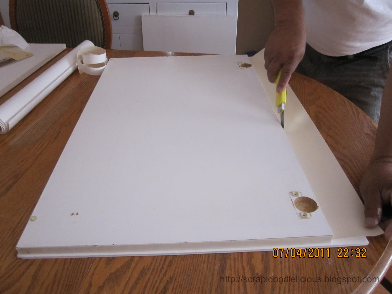 all the cabinet doors then measure and cut the beadboard wallpaper 1600x1200