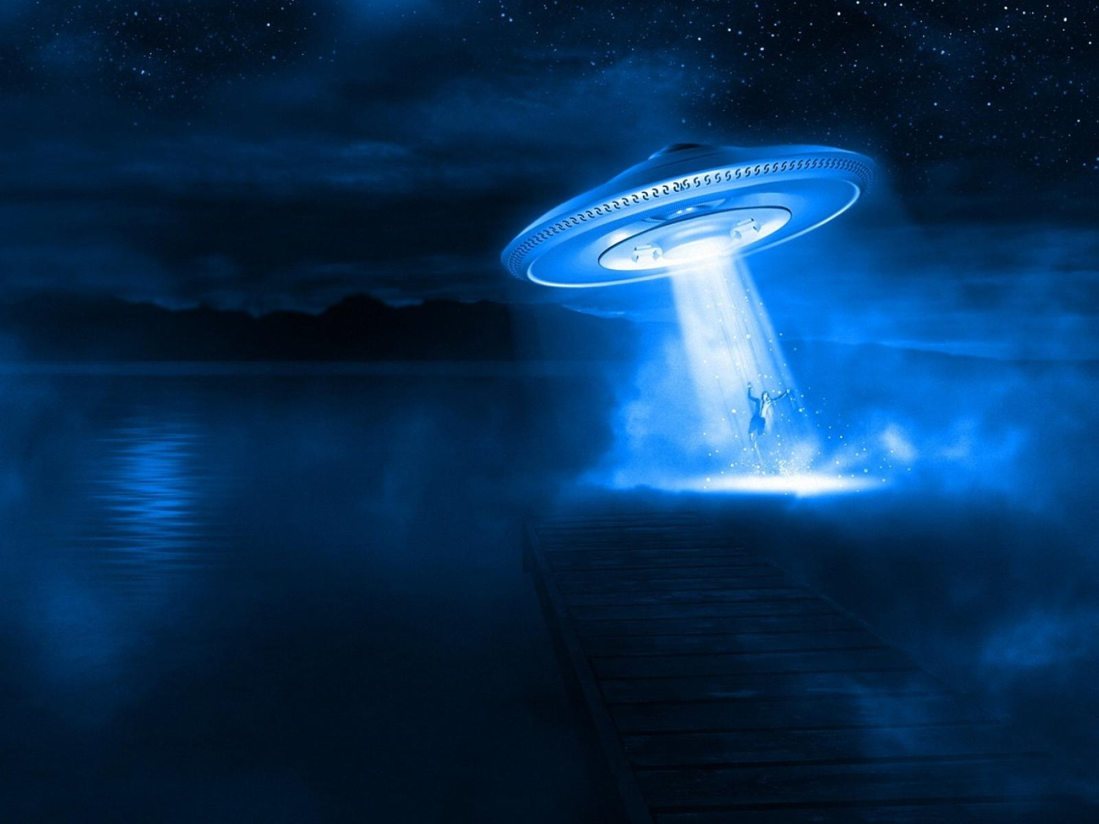 UFO Abduction wallpapers UFO Abduction stock photos 1600x1200