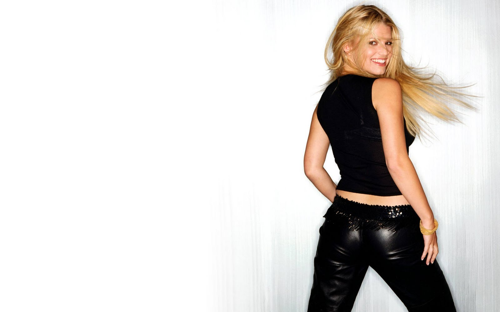 Jessica Simpson Actress Singer Wallpaper Taste Wallpapers 1600x1000