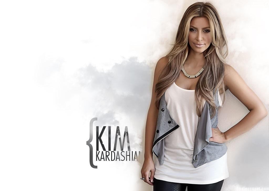 Sizzling Kim Kardashian Wallpapers 1024x728