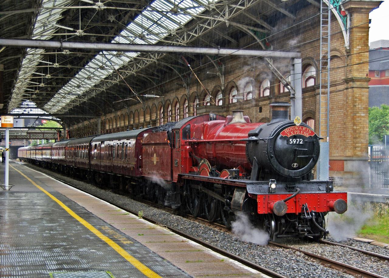 Hogwarts express by irwingcommand 1280x915