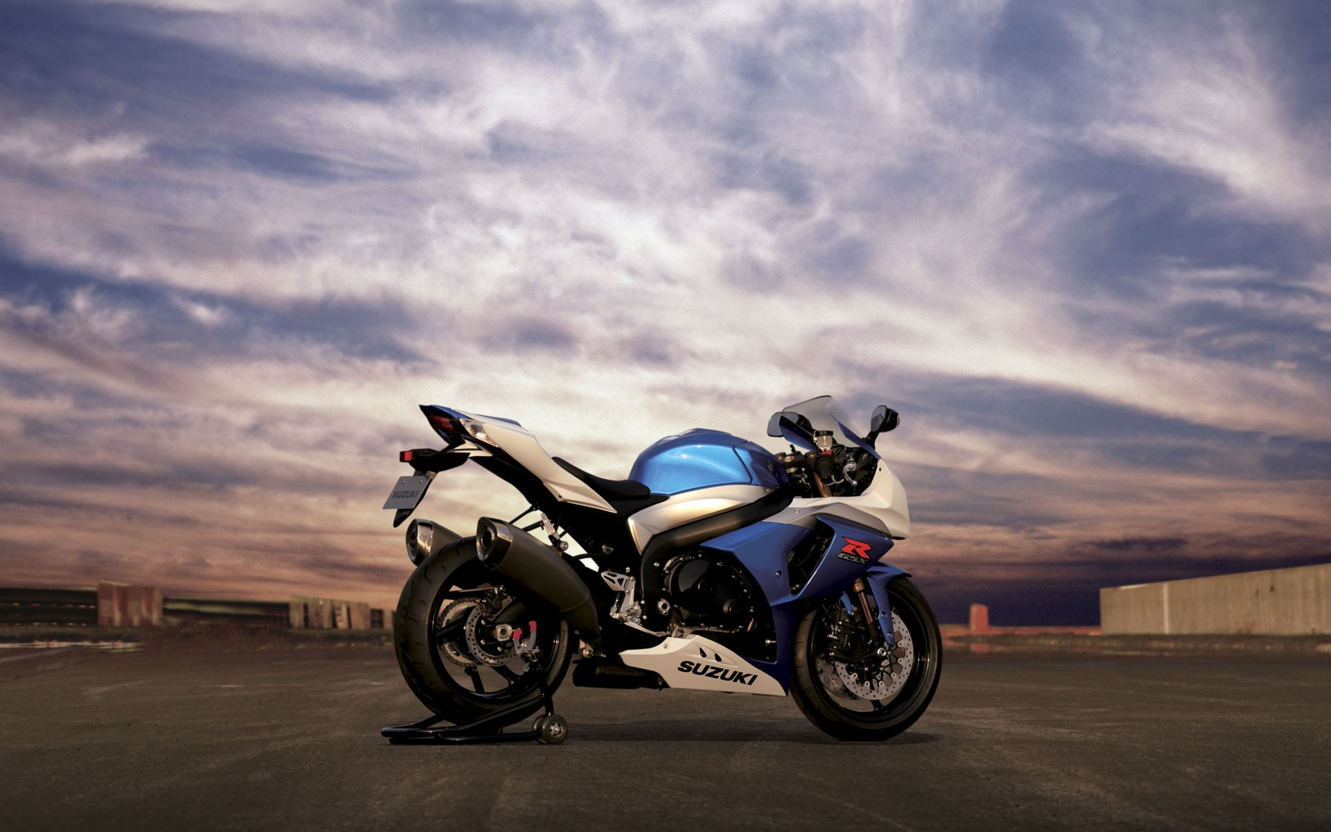 Download Suzuki GSX R1000 Wallpaper Suzuki Motorcycles Wallpaper 1920x1200