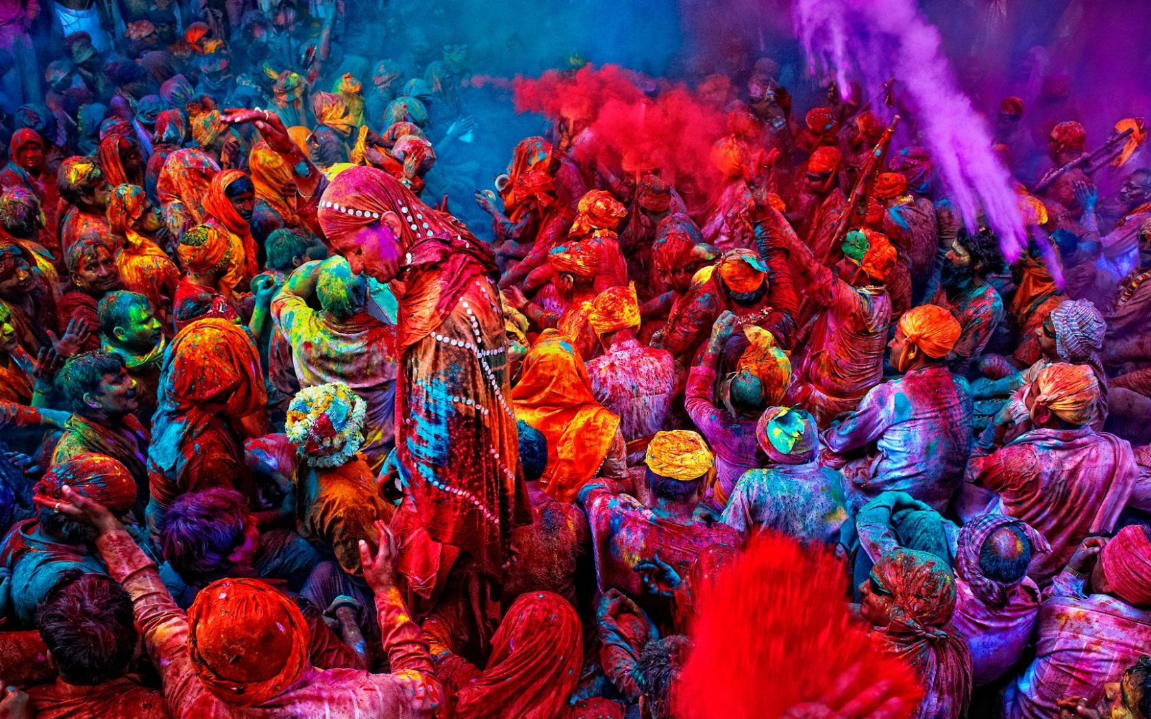Download Holi Festival Of Colours Wallpaper for desktop 1680x1050