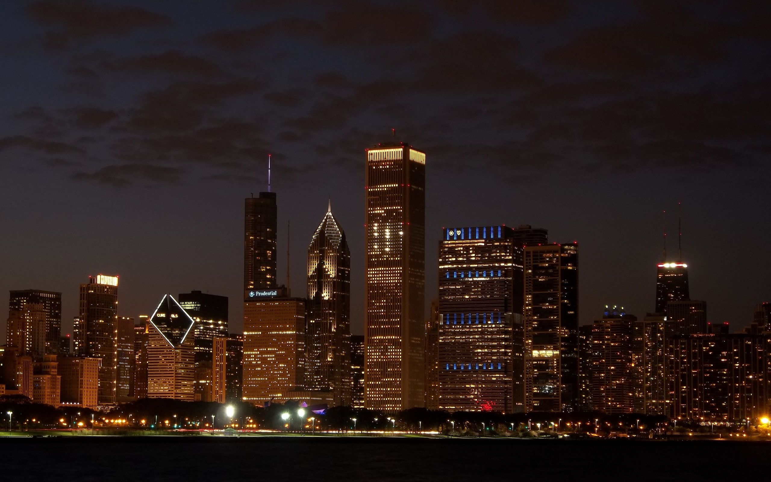 Chicago At Night Wallpaper: Chicago Skyline Wallpaper For Computer