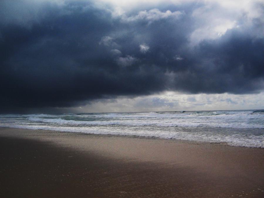in fierce beach storm storm at the beach beach storm wallpaper source 900x675