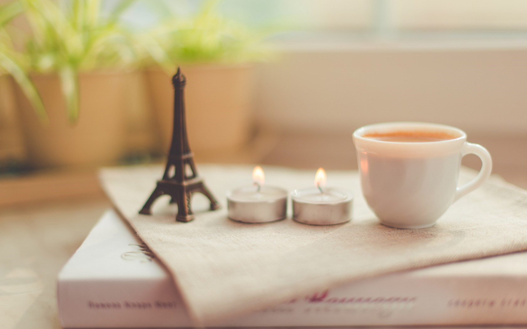 candles eiffel tower coffee cup book photo vintage hd 1680x1050