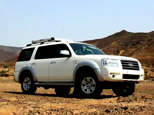 Ford ENDEAVOUR 44 hurricane 2013 cars full featuresprice 600x450