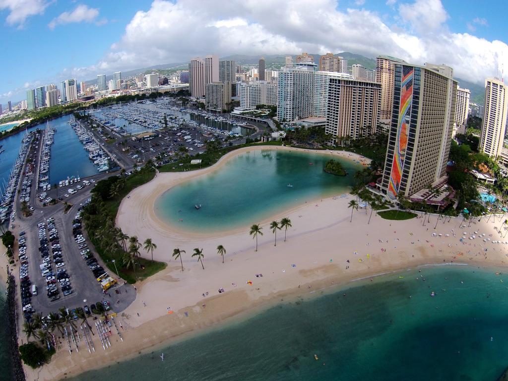 Apartment Aqua Palms Waikiki 304 Honolulu HI   Bookingcom 1024x768