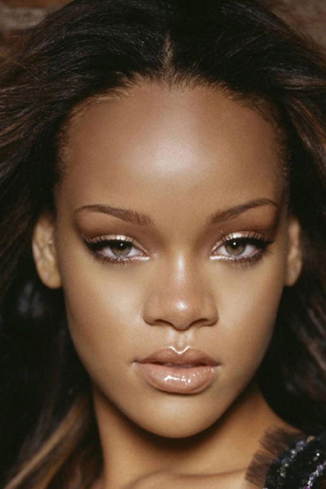Rihanna 01 HD iPhone Wallpaper 640x960