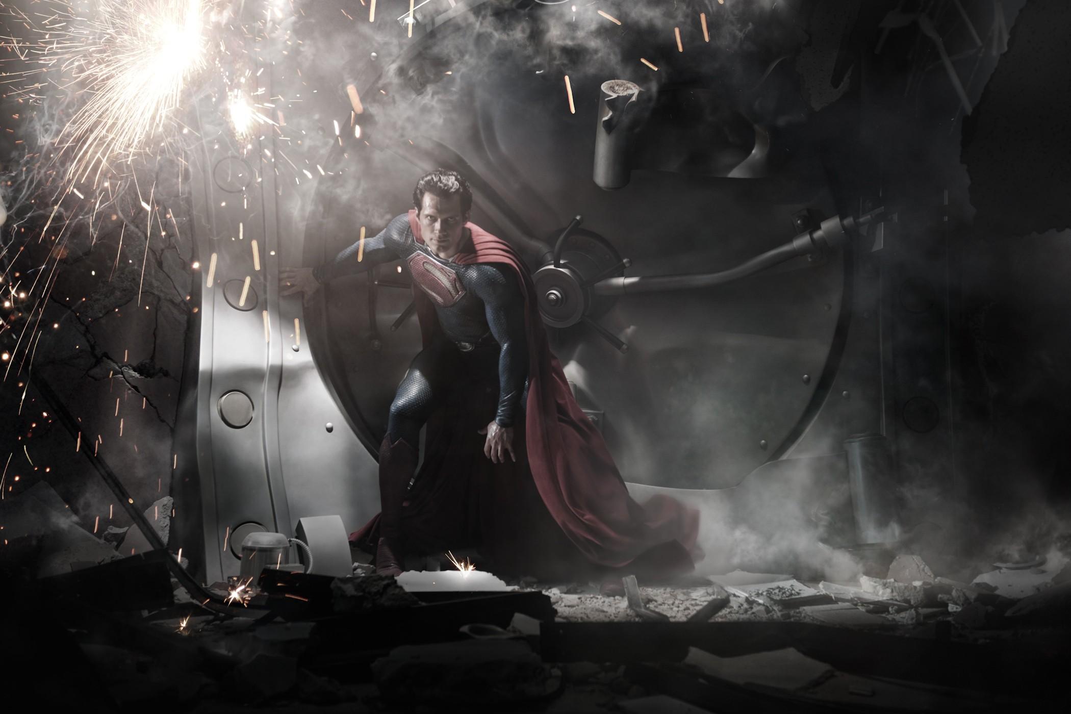 wallpaper di henry cavill in superman man of wallpaper di henry cavill 2100x1400