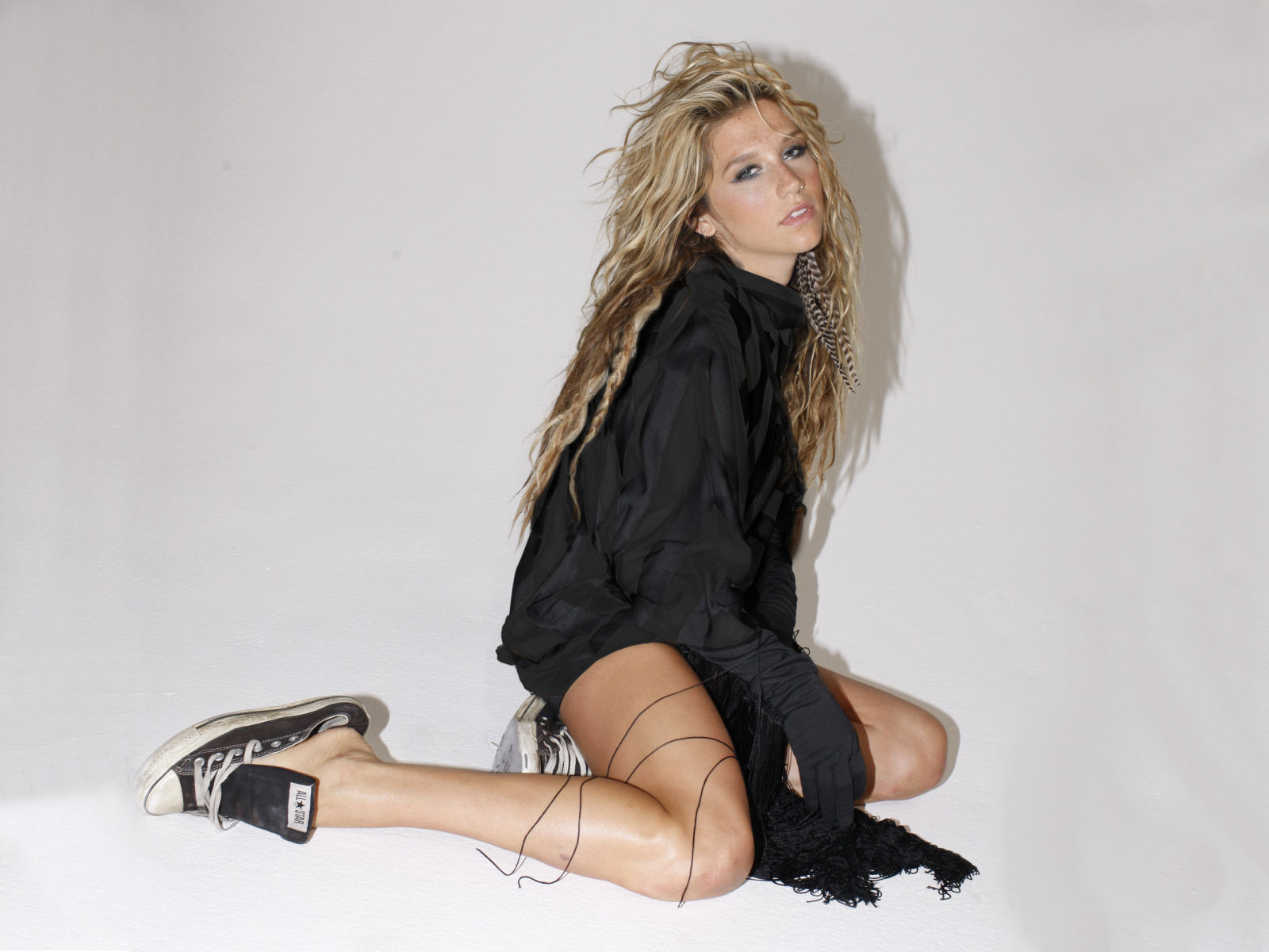 Wallpaper Kesha Kesha Wallpaper Tik Tok Celebrity Wallpaper Sexy 1600x1200