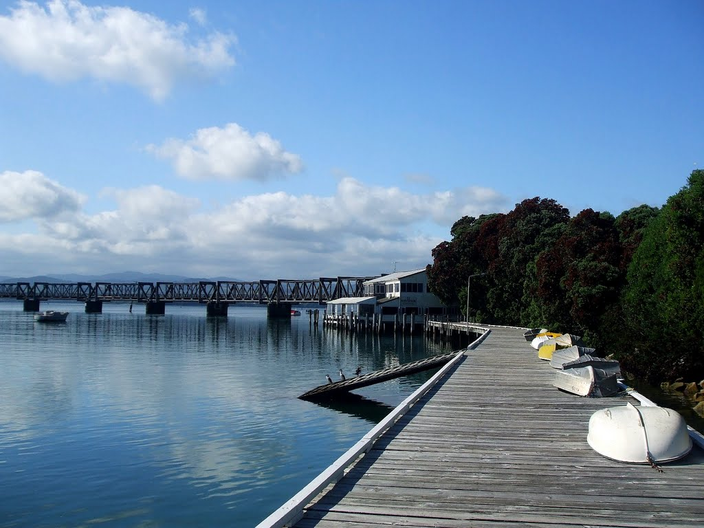 Bright Sunny Day at Tauranga Wallpaper