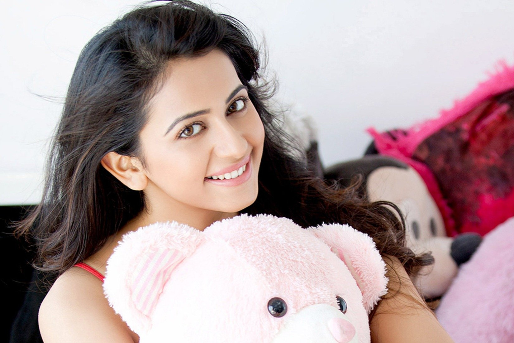 Rakul Preet Singh Wallpapers HD Backgrounds Images Pics Photos 1650x1100