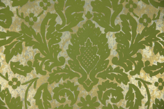 1970s Vintage Wallpaper Green Flocked Leaf Damask On Metallic Gold 570x379