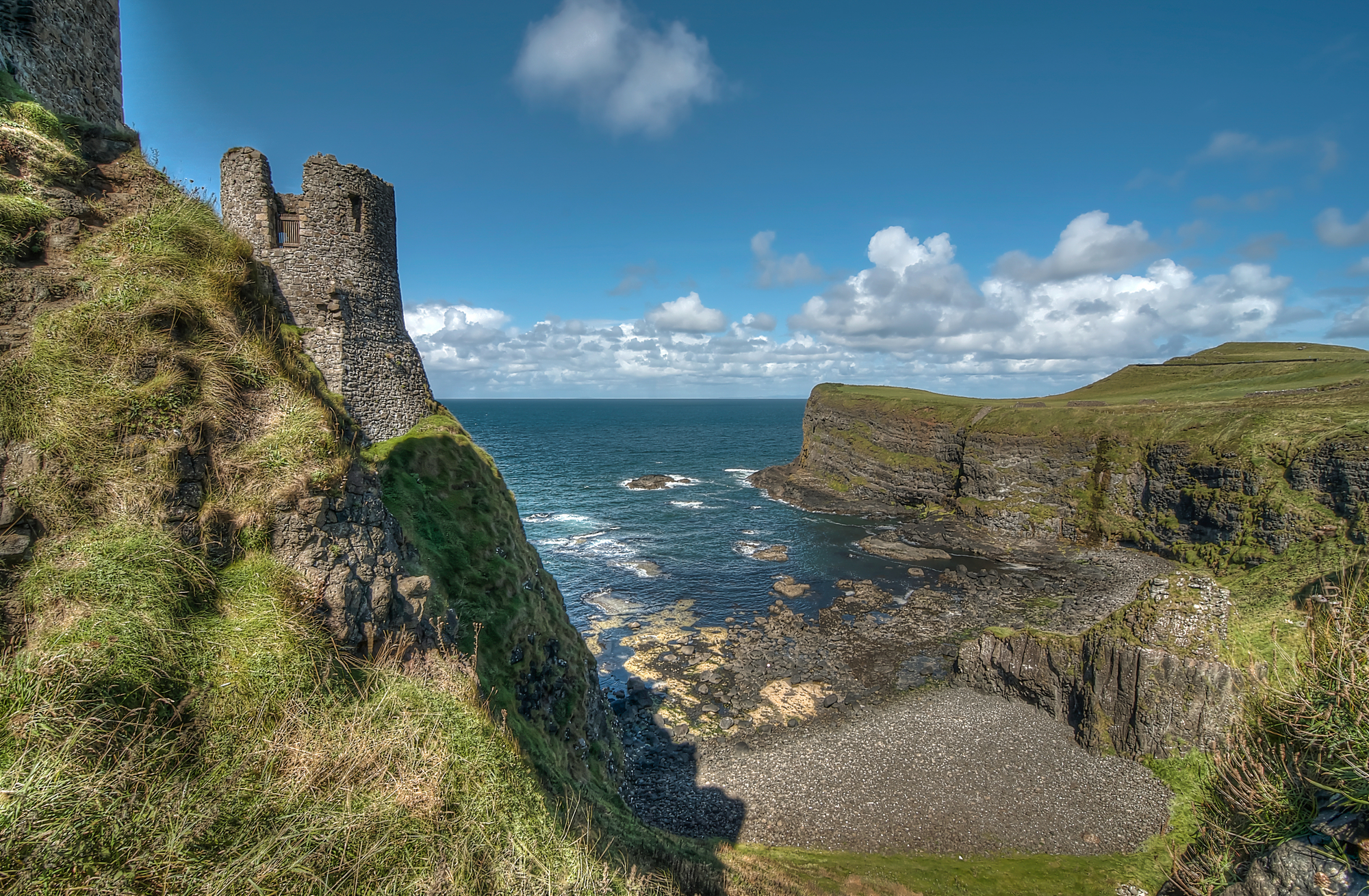 Dunluce Castle Northern Ireland Wallsauce US 2000x1309