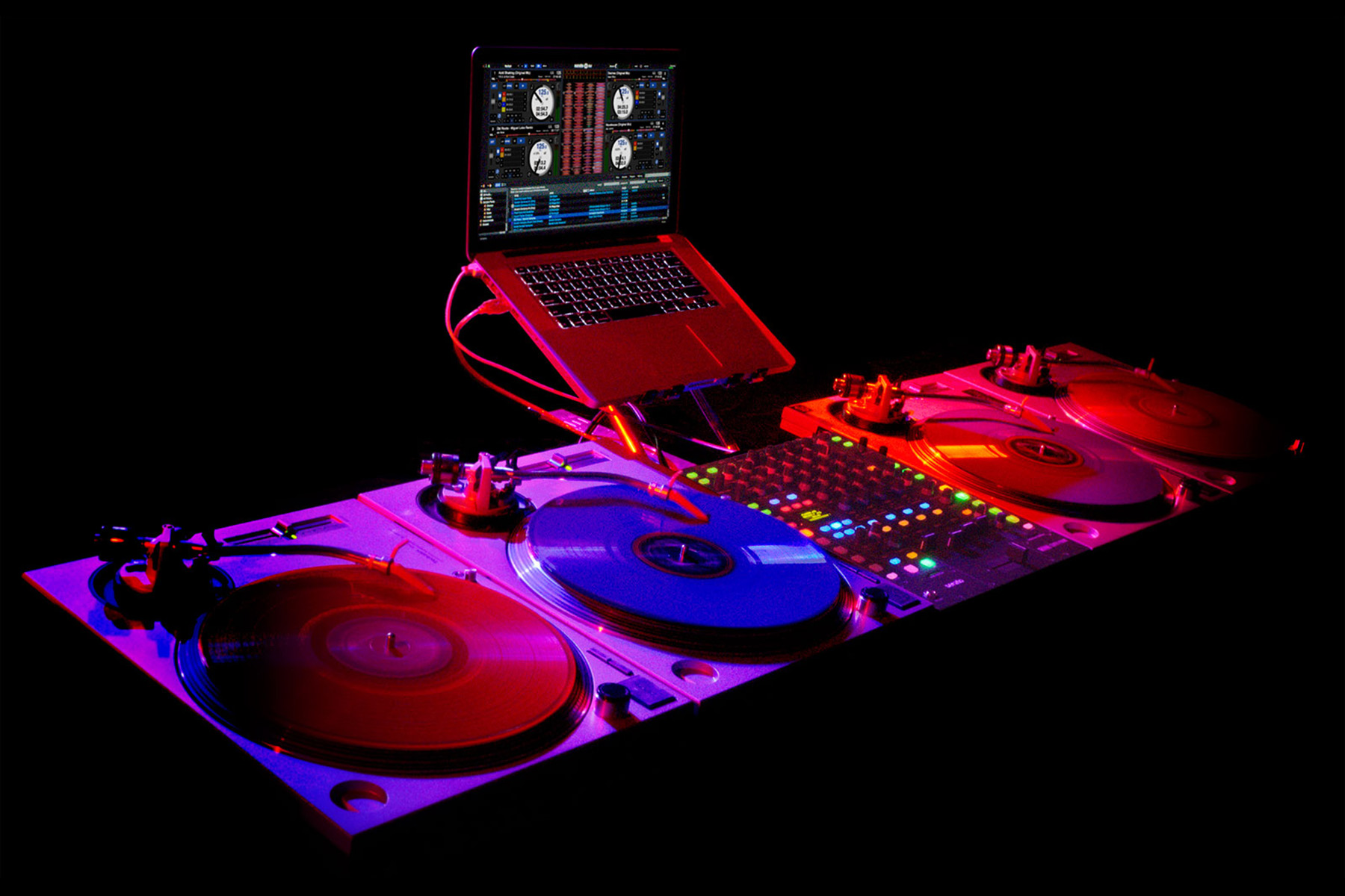 15 Best DJ Turntables In