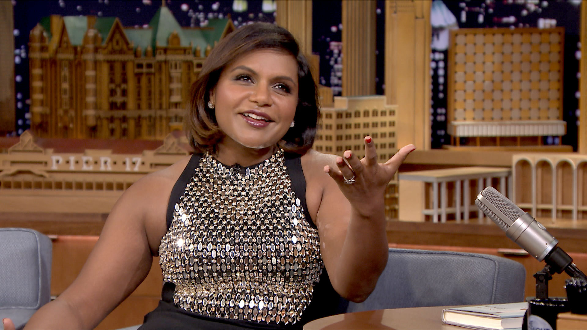 Mindy Kaling Wallpapers Images Photos Pictures Backgrounds 1920x1080