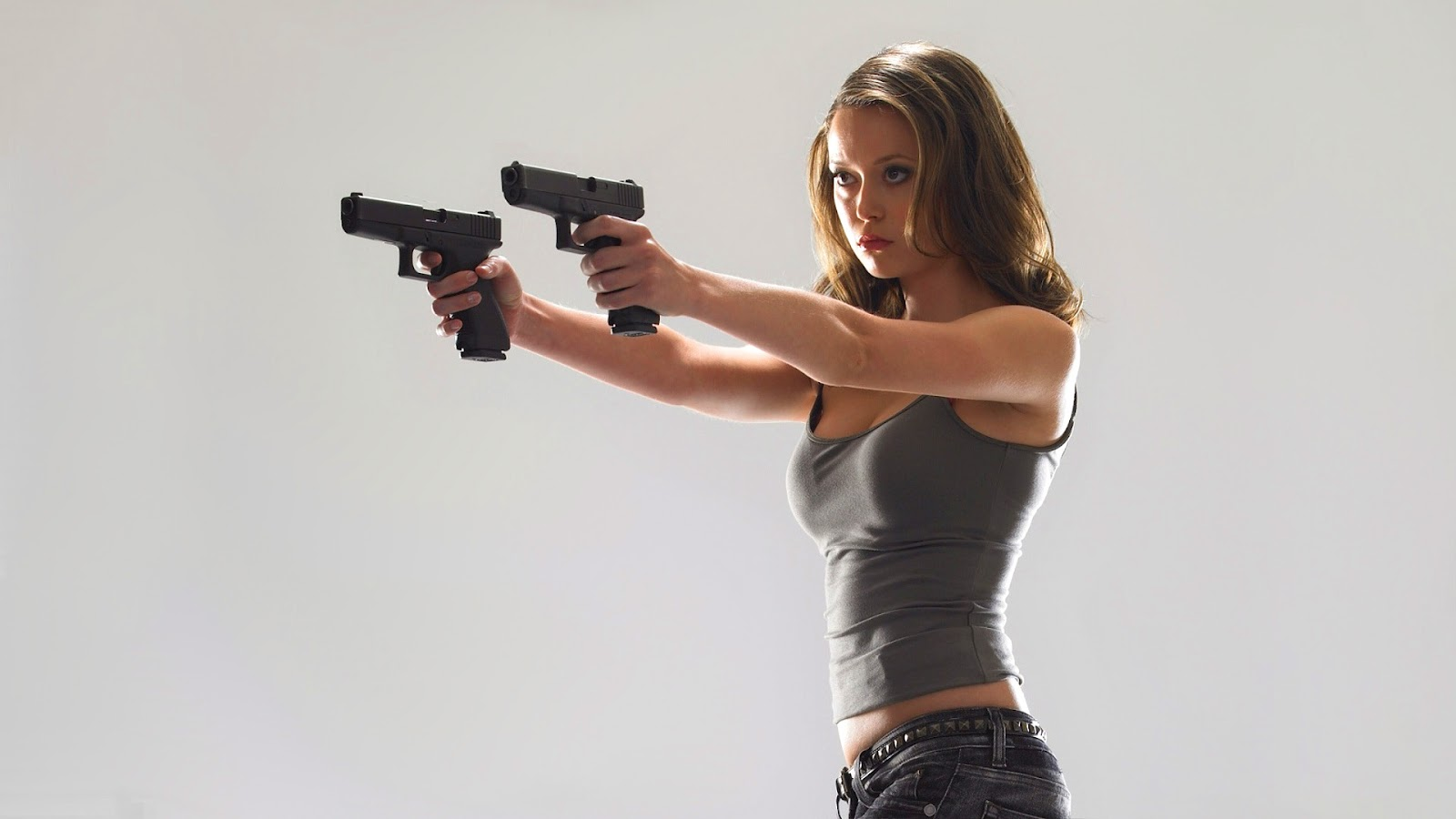 gun girl computer wallpapers - photo #6