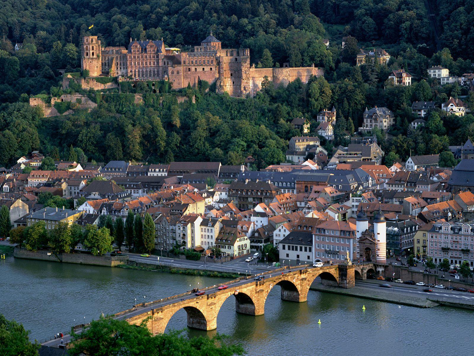 Lorch Village, Hesse, Rhine River, Germany  № 78313 без смс