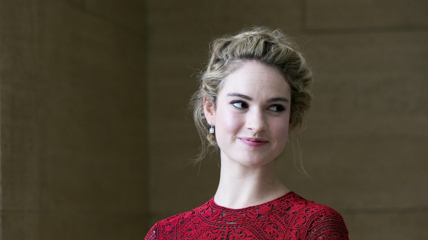 1366x768 2019 Lily James 1366x768 Resolution Wallpaper HD 1366x768