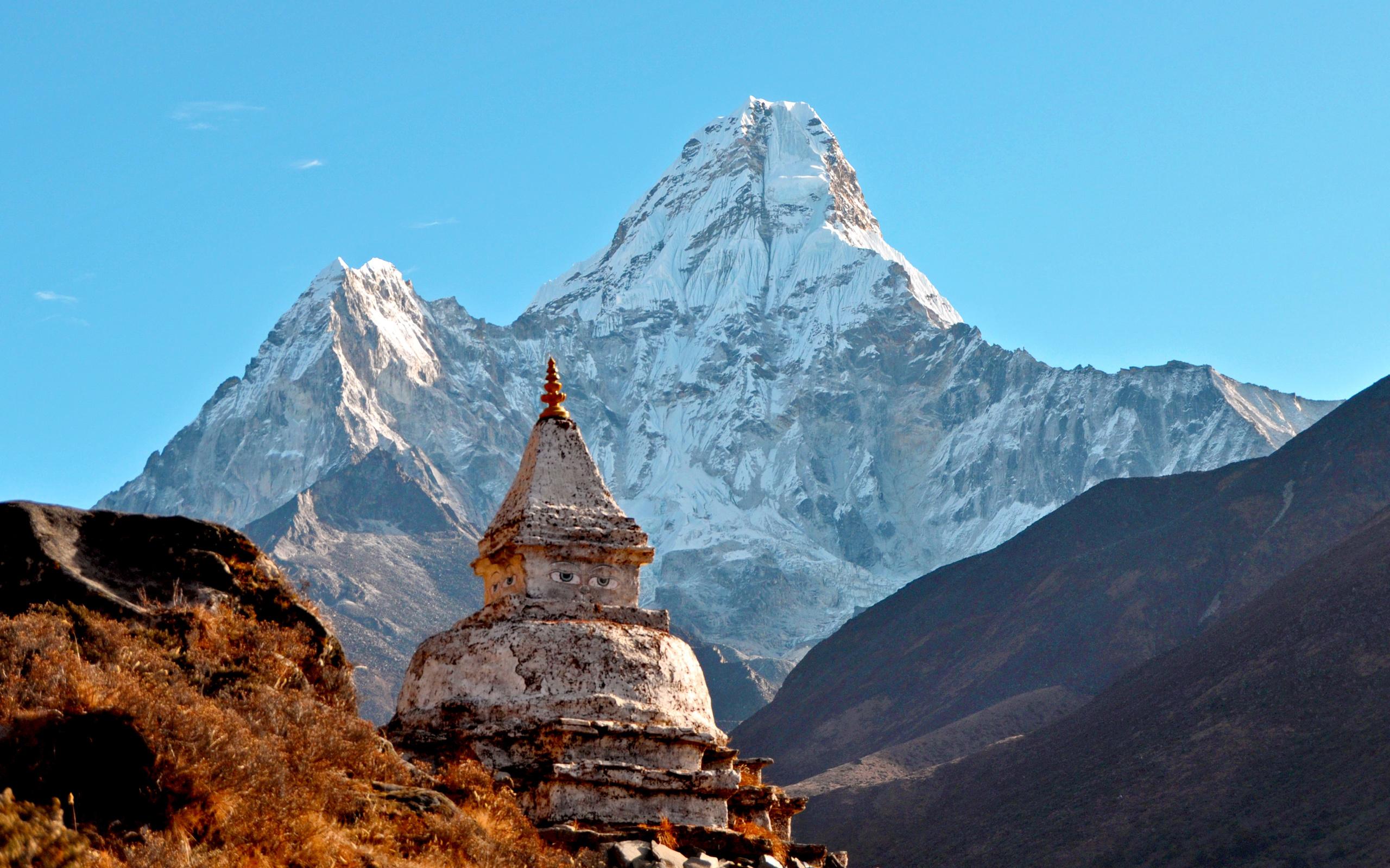 Ama Dablam Peak Nepal 4K Ultra HD wallpaper 4k WallpaperNet 2560x1600