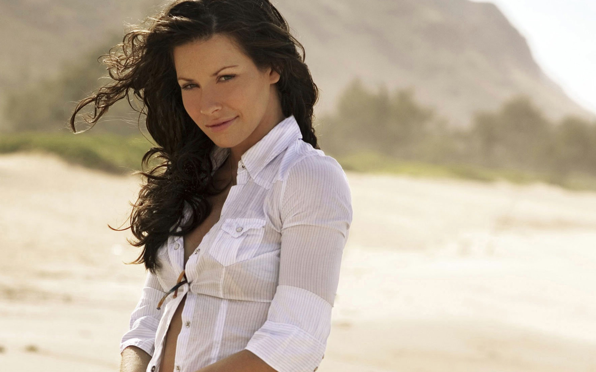 evangeline lilly girls beach papers background wallpapers 1920x1200