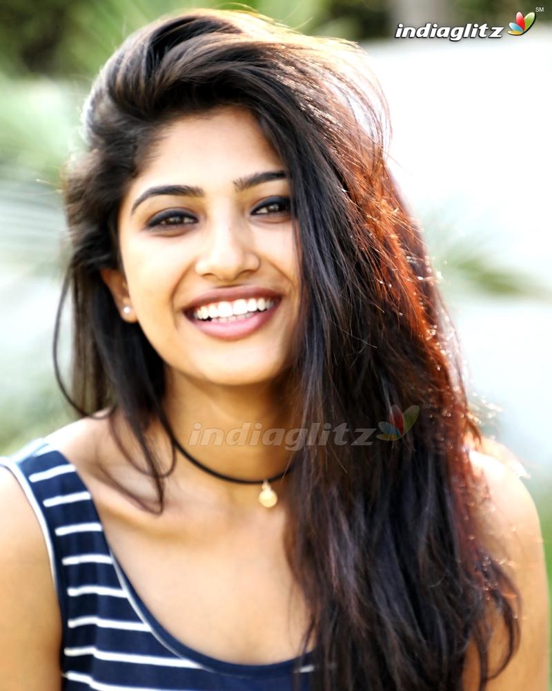 Roshini Prakash Photos   Tamil Actress photos images gallery 800x1000