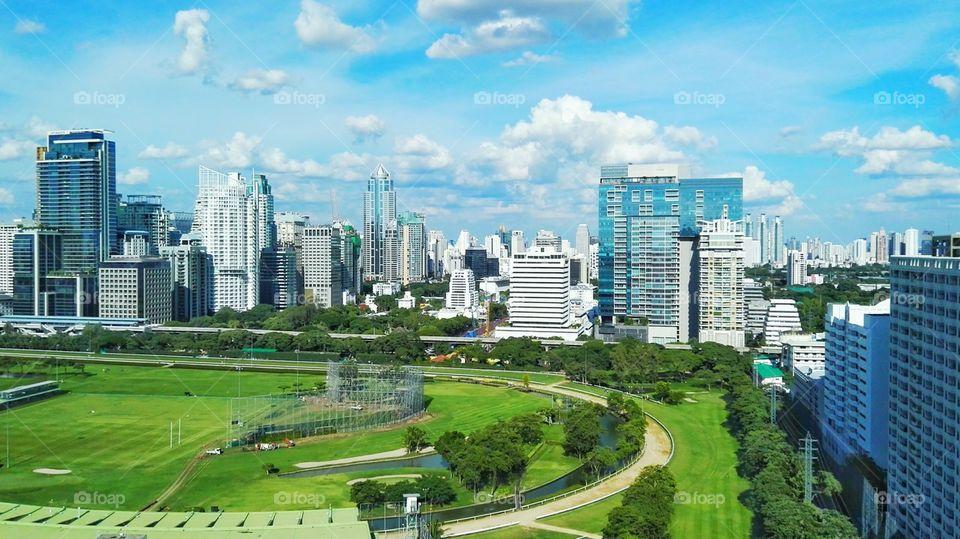 Foapcom Bangkok Cityscapes Golf Course with Skyscrapers 960x539