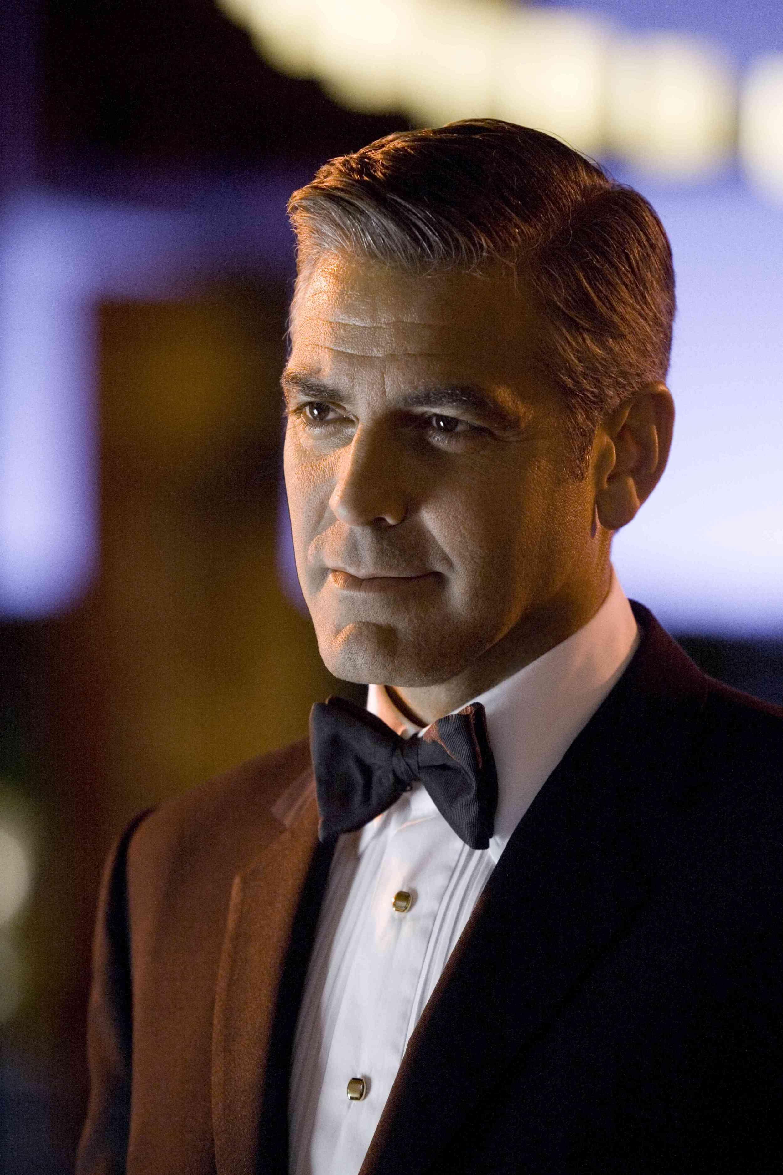 Photos of George Clooney 2500x3750