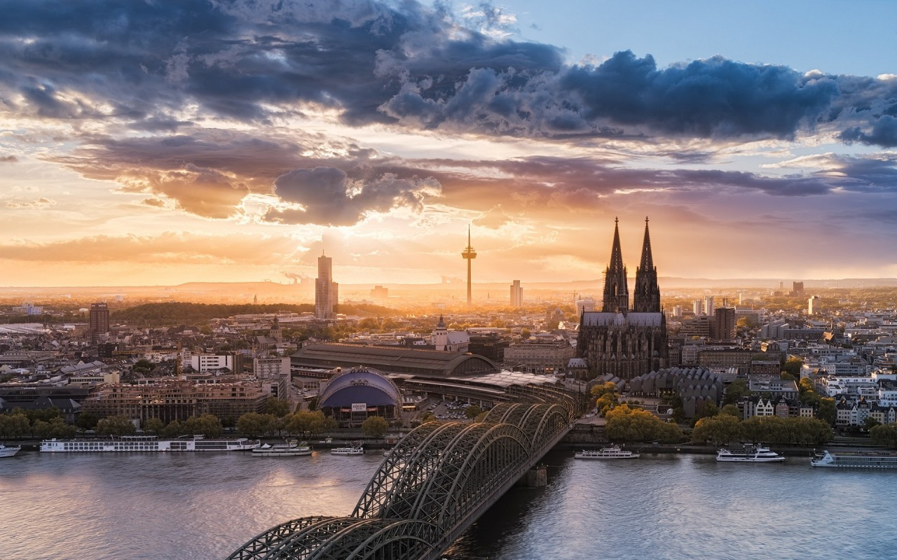 Hohenzollern Bridge Cologne wallpapers Hohenzollern Bridge 1280x800