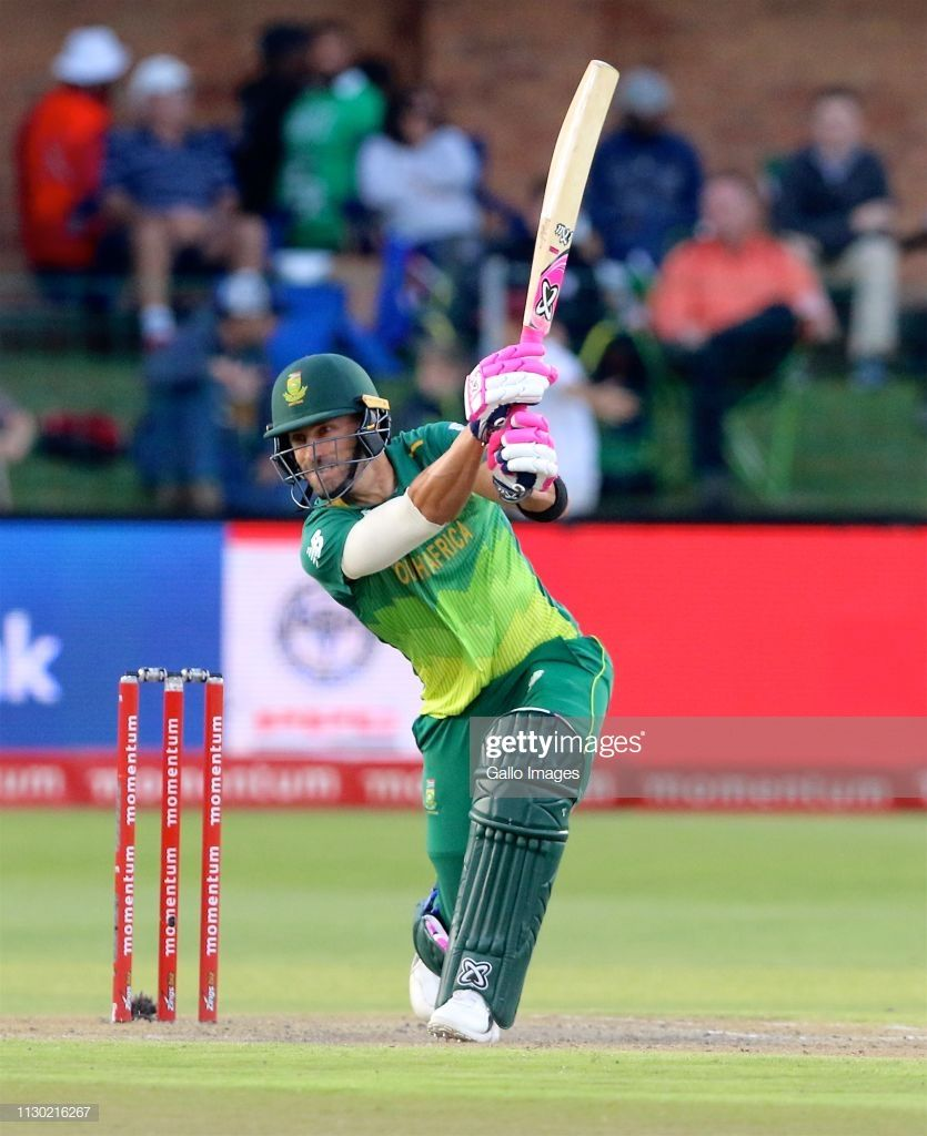 Faf Du Plessis of South Africa bats during the 4th Momentum ODI 835x1024