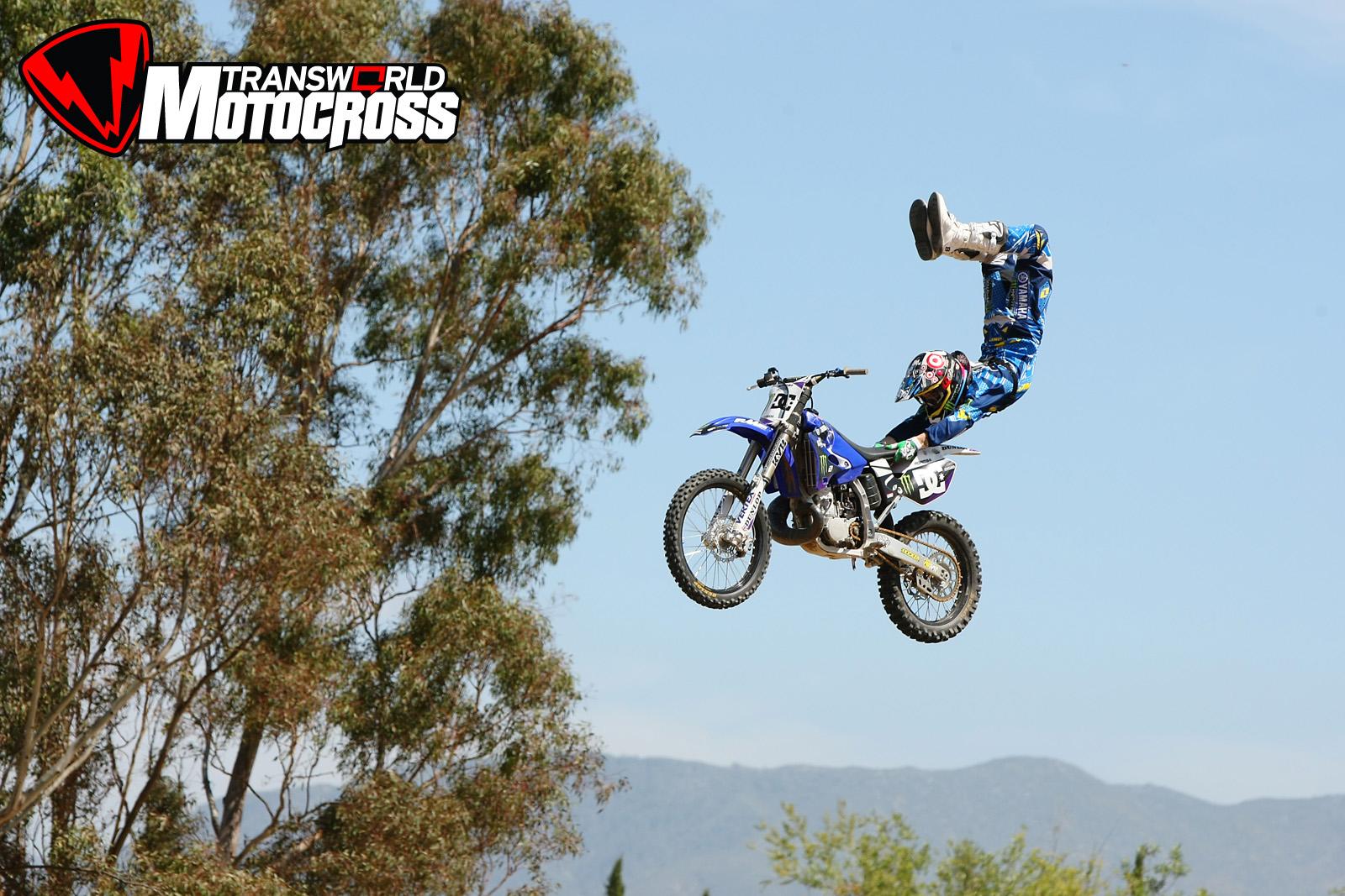 Jump Freestyle Motocross Wallpaper 1600x1067