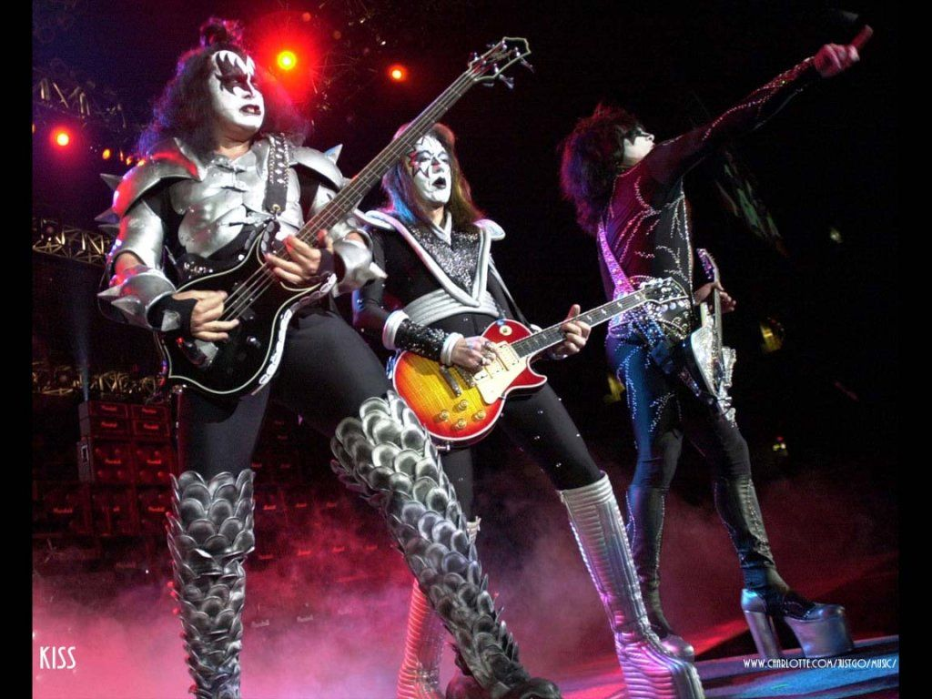 Kiss Desktop Wallpapers Kiss Backgrounds and Pictures at 1024x768