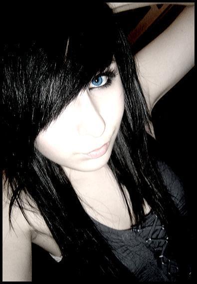 Cute EMO Girl 395x568