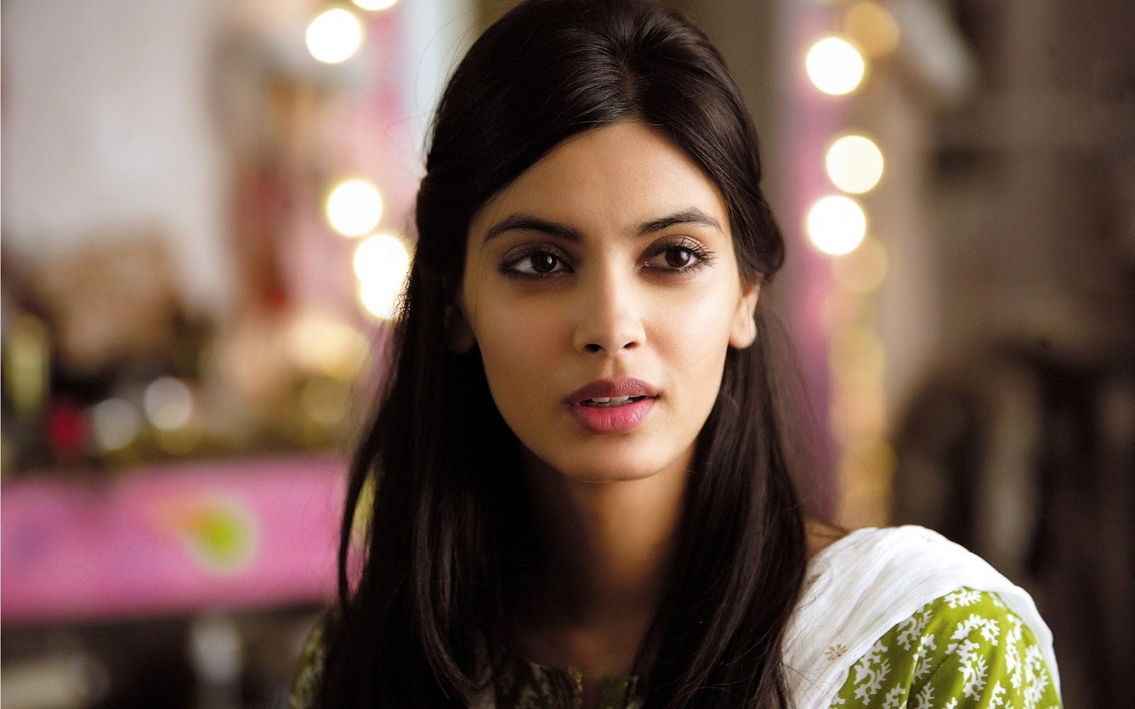 Hd wallpaper bollywood - Diana Penty New Bollywood Actress Hd Desktop Wallpaper Wallpapers