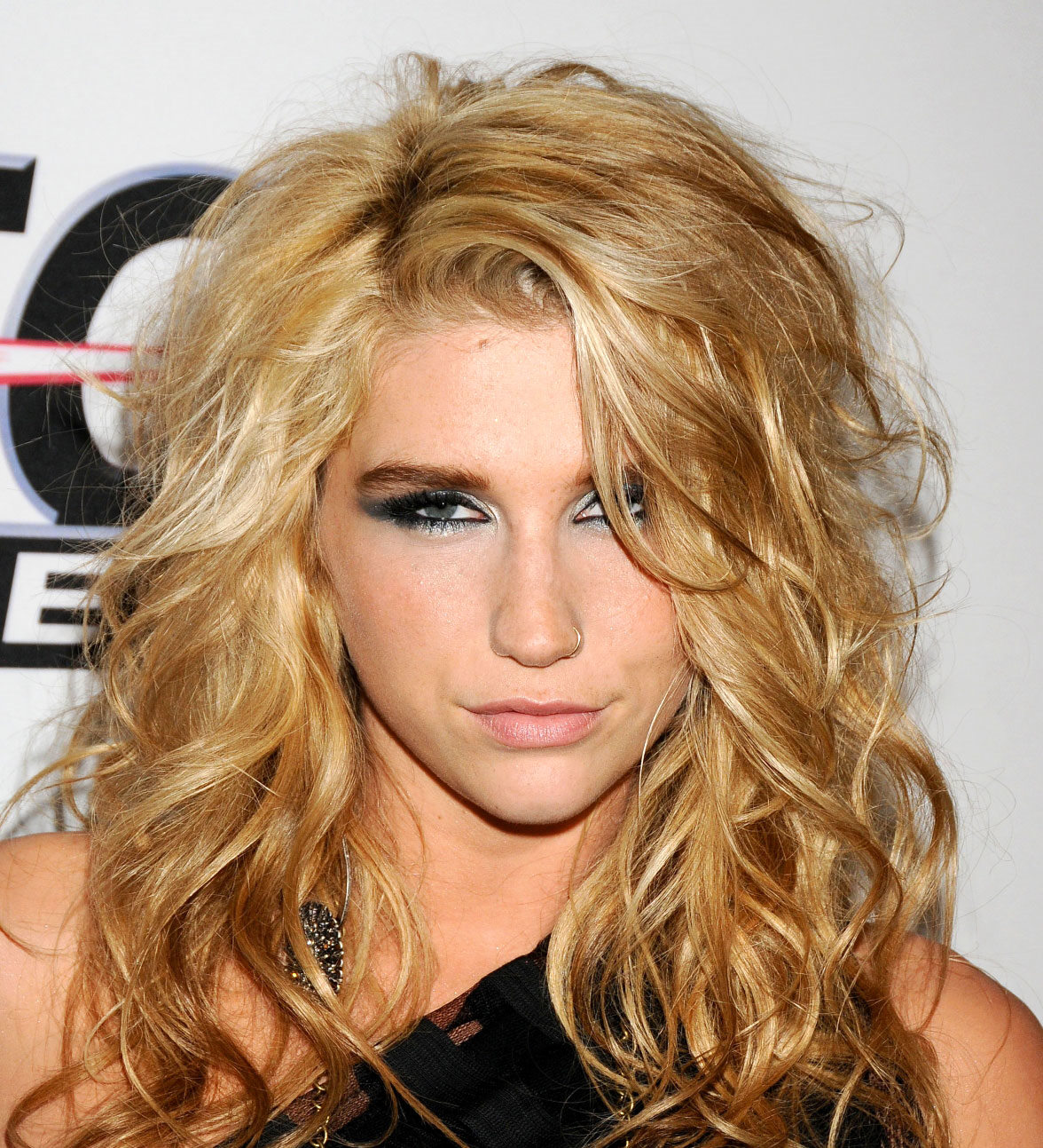 Kesha Rose Sebert HD Wallpapers High Definition iPhone HD 1176x1293