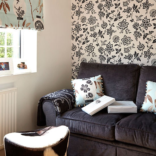Monochrome living room with feature wallpaper Easy living room 550x550