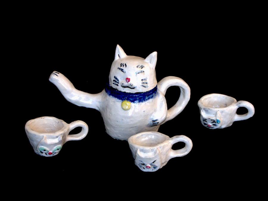 Japanese Lucky Cat Tea Set by FaeAnna 900x675