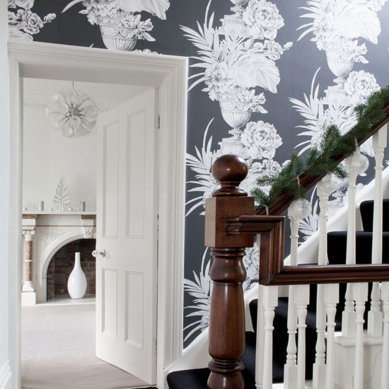 Hallway with oversized black and floral wallpaper Decorating with 550x550