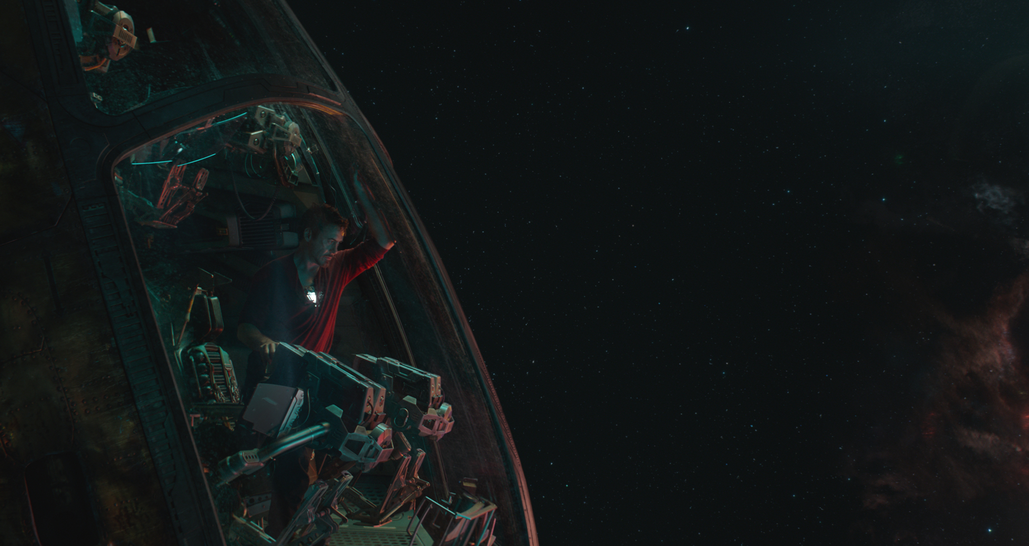 Avengers Endgame Images Tease Emotional Reunions and Team Ups 2034x1080